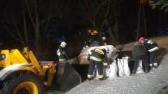 87 strażaków walczyło ze skutkami silnego wiatru i podtopieniami w powiecie nowodworskim.