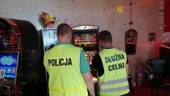 Nowodworscy policjanci zamknęli kolejny lokal z nielegalnymi automatami do gier.