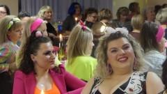 """360 kobiet bawiło się podczas """"Gorączki sobotniej nocy"""" w Nowym Stawie."""