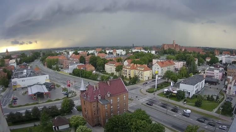 Tak wygląda nadejście burzy w przyspieszeniu.